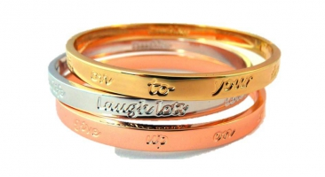 Cadeau Drie armbanden met quotes - wit, rosé en geelgoud